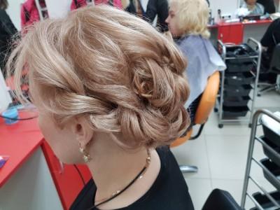 Проба пера- вечерние причёски... - IMG_2282.JPG
